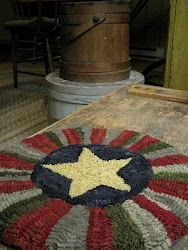 Red House Wool Studio Hooked and Designed by Cathy Greschner. Round rug with star in center. Rug Yarn, Wool Rugs, Rug Hooking, Locker Hooking, Felted Wool Crafts, Latch Hook Rugs, Primitive Gatherings, Rug Inspiration, Hand Hooked Rugs