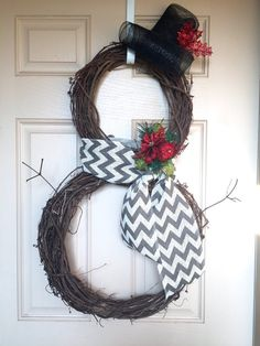 Items similar to Snowman Grapevine Wreath on Etsy – Grapevine Wreath İdeas. Christmas Mesh Wreaths, Christmas Snowman, Rustic Christmas, Christmas Crafts, Christmas Decorations, Christmas Ornaments, Winter Wreaths, Primitive Christmas, Christmas Items