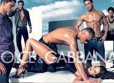 Nel 2007 suscito' forti polemiche un'immagine della campagna pubblicitaria di 'Dolce e Gabbana' dove era raffigurato un uomo a torso nudo mentre impegnato a tenere una donna inchiodata a terra per i polsi mentre altri quattro osservano la scena.