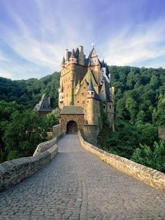size: Photographic Print: Burg Eltz, Near Cochem, Moselle River Valley, Rhineland-Palatinate, Germany by Gavin Hellier : Monuments, Yosemite National Park, National Parks, Burg Eltz Castle, Rhineland Palatinate, Germany Castles, Beautiful Castles, Famous Places, Travel Goals