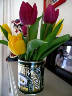 Loved this amazing upcycling of a Lyle's Golden Syrup tin into a retro chic vase! Home Decor Furniture, Furniture Ideas, Is It Spring Yet, Tin Can Alley, Golden Syrup, Centrepieces, Retro Chic, Love Flowers, Flower Vases