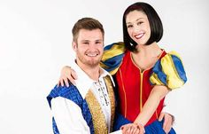 Sarah Accomando plays Snow White, and Karl Loxley from 'the voice' plays her prince in Snow White at the Hexagon, Reading #panto #pantomime #christmas #theatre #snowwhite #imaginetheatre #thehexagon #Reading