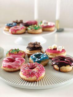 Hot Air Balloon Cookies (using Leaf Tip) Fancy Cookies, Cut Out Cookies, Cake Cookies, Sugar Cookies, Sugar Cookie Royal Icing, Food Humor, I Love Food, Cookie Decorating, Tapas