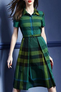 green dress   Supernatural Style | https://styletrendsblog.blogspot.com/
