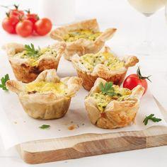 Mini-quiches au jambon et poireau à congeler Mini Quiches, Le Diner, Baked Potato, Camembert Cheese, Brunch, Sandwiches, Baking, Discovery, Ethnic Recipes