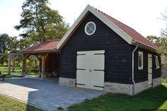 Rustic Barn Homes, Prefab Cottages, Garage Guest House, Cabin Chic, Carport Garage, Garage Addition, Pump House, Garage Design, Little Houses
