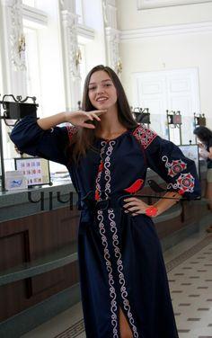 Пін від користувача Наталі на Сучасний одяг з вишивкою  328d2e8e0696f