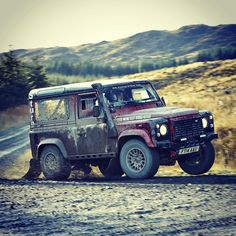 Land Rover Defender Challenge 2015. The winners Cobley & Tomley. #landrover…