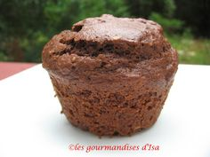 MUFFINS AU CACAO ET AUX NOISETTES POUR L'HEURE DU GOÛTER Muffin Cacao, Muffins, Breakfast, Food, Drizzle Cake, Snacks, Bakery Business, Food Porn, Recipes