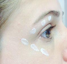 ¿Cómo disimular ojeras? Base de ojos iluminadora usos.