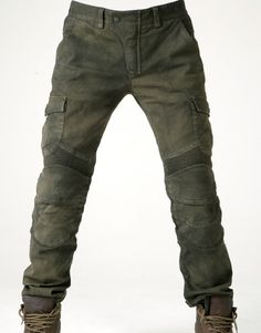 uglyBROS Armoured Cargos is part of Tactical pants - uglyBROS is a Korean motorcycle gear company that prides itself on its unique, slightly offbeat designs The popularity of the brand has been growing in Moto Pants, Kevlar Pants, Cargo Pants For Men, Jeans Moto, Boss Jeans, Trousers, Men's Pants, Slacks, Tactical Pants