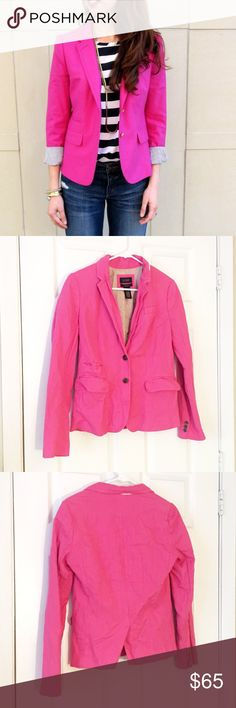 """• JCREW • Schoolboy Blazer Looking for the original schoolboy blazer? Here it is, with the same length, the same slightly shrunken, superchic fit and the same details you fell in love with—including a secret interior pocket for carrying little extras.   Fits true to size. Tailored for a fitted look. Body length: 24 1/4"""". Sleeve length: 32"""". Hits above hip. Notch collar with felt undercollar. Functional buttons at cuff. •no modeling • no trades • Blazer on model is similar. J. Crew Jackets…"""