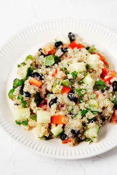 This black bean quinoa salad is simple to make but packs a big flavor punch! It's loaded with plant-based nutrition and easy to make ahead. Easy Vegan Lunch, Vegan Lunches, Vegan Vegetarian, Vegan Recepies, Black Bean Quinoa, Vegetable Pasta, Plant Based Nutrition, Quinoa Salad, Vegan Life