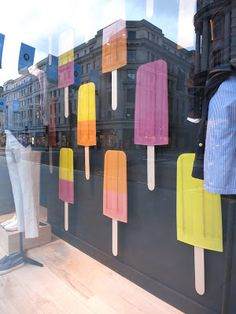 www.retailstorewindows.com: J Crew, London