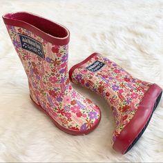 JoJo Maman Bebe Shoes   Jojo Maman Bebe Toddler Pink Floral Rain Boots   Color: Cream/Pink   Size: 4bb Girls Rain Boots, Rain And Snow Boots, Rubber Rain Boots, Little Girls, Target, Maternity, Floral Prints, Cream, Pink