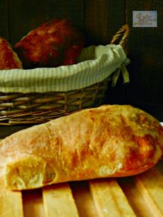 CHAPATA (RECETA DE IBÁN YARZA) | Mil ideas, mil proyectos Ciabatta, Pan Bread, Relleno, Bread Recipes, Food, Ideas, Gastronomia, Stuffed Potatoes, Breads