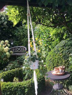 Deko Objekte   Blumenampel Für Hohe Decken   Ein Designerstück Von  Lotti Geli Bei