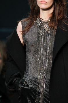 Vera Wang's necklace Fall Winter 2014-2015 #FW14 #NYFW