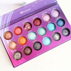 Galaxy Chic ✨ #BHCosmetics  #BH #galaxy #galaxychic #blogger #makeup #cosmetics #labial #belleza #beautyblogger #maquillaje #maquillajedeldia #lips #lipstick #beauty #valentines #redlips #brunette #makeupjunkie #purplemakeup #purple #Eyeshadow #Palette #eyeshadows #eyeshadowpalette #cosmic