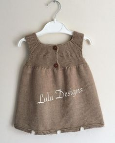 Baby Knit Dress Patterns – Knitting And We Girls Knitted Dress, Knit Baby Dress, Knitted Baby Clothes, Knitted Baby Cardigan, Baby Dress Patterns, Baby Knitting Patterns, Summer Knitting, Knitting For Kids, Baby Vest