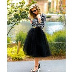 Black Tulle Tutu Skirt, Women Tutu, Color of Your Chose Black Tulle Skirt Outfit, Tutu Skirt Women, Black Tulle Skirts, Tulle Skirt Outfits, Adult Tulle Skirt, Tutu Skirts, Vintage Dresses 50s, Vestidos Vintage, Bridesmaid Skirts