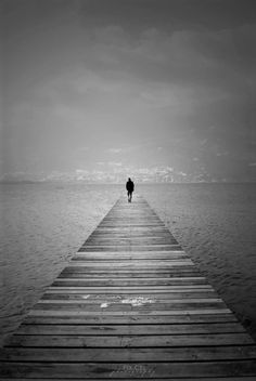The word 'sociopath' often conjures up images of serial killers and terrifying villains from horror movies. But many of them usually lead fairly ordinary lives. Writing Prompts Poetry, I Walk Alone, Walking Alone, My Poetry, Sociopath, Be True To Yourself, Loneliness, The Conjuring, Did You Know