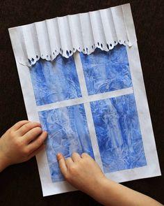 Морозные узоры на окнах❄❄❄ Сделать такой эффект очень просто: Женя справился сам, я сделала только окно и шторки) Итак, мы взяли бумагу, акварель и быстро на мокром рисунке свели полиэтиленовый пакет(желательно чтобы получились морщинки). Оставили сохнуть. Затем я вырезала окно и шторки, а Женя приклеил. Вот и все, наши узоры готовы)) #веселая_зимовка2018 от @fun4moms #веселая_зимовка2018_17 #веселая_зимовка2018_beautiful_little_life_ Christmas Art Projects, Spring Art Projects, Projects For Kids, Christmas Crafts, Winter Crafts For Kids, Diy For Kids, Art Syllabus, Arts And Crafts, Paper Crafts