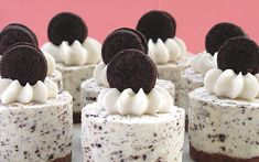Oreo Cookies and Cream No-Bake Cheesecake ~ An adult dessert gets some kid lov& with an Oreo crush. You can find this recipe for Oreo Cookies and Cream No-Bake Cheesecake at Bakers Royale. Cookies And Cream Cheesecake, No Bake Oreo Cheesecake, Cheesecake Crust, Royal Cheesecake Recipe, Chocolate Cheesecake, Birthday Cheesecake, Wedding Cheesecake, Mini Cheesecake Recipes, Christmas Cheesecake