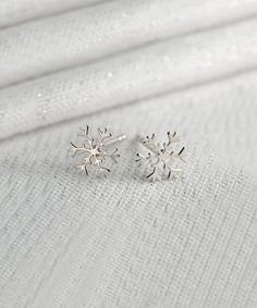 Loving this Sterling Silver Snowflake Stud Earrings on #zulily! #zulilyfinds
