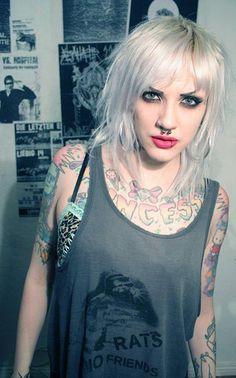 mallim+ shirt+ punk girl+ dbeat+ hair mohawk+white hair+ crust