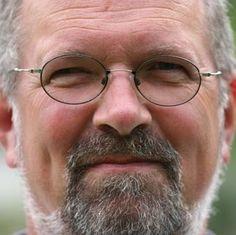 Tourismusforscher: Städtereisen boomen - Interview mit Prof. Edgar Kreilkamp - Jetzt bei HOTELIER TV & RADIO: https://soundcloud.com/hoteliertv/tourismusforscher-stadtereisen-boomen
