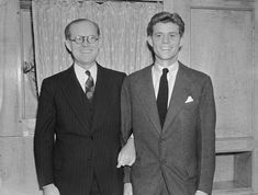 Joseph P Kennedy (left), US Ambassador to Great Britain, poses with his son and future US president, John F Kennedy, in 1938 Joe Kennedy Sr, Los Kennedy, Robert Kennedy, Southampton, Young Jfk, Jack Johns, Kennedy Assassination, John Fitzgerald, Queen Mary