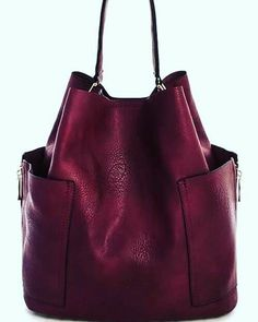 Find tips and tricks, amazing ideas for Burberry handbags. Discover and try out new things about Burberry handbags site Suede Handbags, Burberry Handbags, Purses And Handbags, Burgundy Handbags, Hobo Purses, Fashion Handbags, Fashion Bags, Leather Backpack, Leather Bag