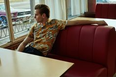 With its men's essentials covered, Mango unfolds a new chapter for spring. Showcasing styles with a retro cool, the Spanish brand enlists British model Ben Allen for a look book. The outing sends Ben to a diner, where he is captured at the counter as well as outside, against a vintage Mustang. Juxtaposing tailored separates …