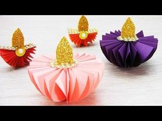 Hundreds of FREE EASY Christmas Decor, Christmas Craft, Christmas DIY Ideas in 1 website. We are sure you can find great ideas for upcoming Christmas. Diy Diwali Gifts, Diwali Craft, Rose Gold Christmas Decorations, Diwali Decorations At Home, Craft Stick Crafts, Crafts For Kids, Diy Crafts, Simple Christmas, Christmas Crafts