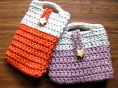 Little crocheted coin purse or phone cozy. No pattern but easy to figure out.