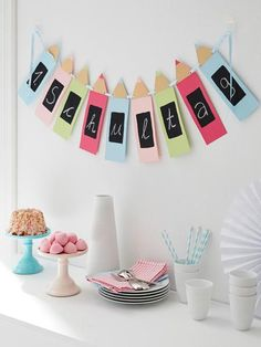 Garland at the beginning of school: simple and great instructions- Girlande zum Schulanfang: einfache und tolle Anleitung instructions beginning of school garland - Back To School Party, 1st Day Of School, Beginning Of School, School Parties, After School, Wonder Woman, Diy 2019, Party Fiesta, Starting School