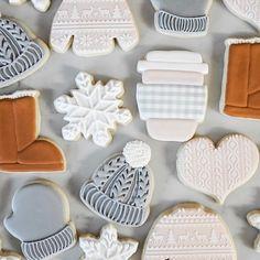 Cookies Cupcake, Cookie Icing, Iced Cookies, Cut Out Cookies, Cute Cookies, Royal Icing Cookies, Cupcakes, Christmas Sugar Cookies, Christmas Sweets