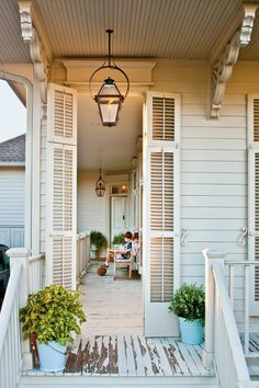 Timeless Style – New Orleans Cottage Revival – Southern Living What is Decoration? Decoration is the art of decorating the … Beach Cottage Exterior, Cottage Porch, Beach Cottage Style, Cottage Style Homes, Beach Cottage Decor, Cottage Design, Coastal Cottage, Coastal Living, Beach Chic Decor