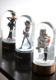 Schoenfeld Schoenfeld Puckett these snow globes are perfect Hanging Beds, Hanging Shelves, Christmas Globes, Snow Globes, Christmas In The City, Christmas Shopping, Water Globes, Jar Art, Bottle Painting