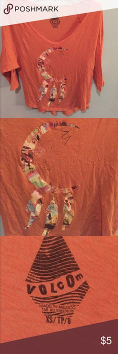 Dreamcatcher t-shirt Burnt orange 3/4 sleeve top with a dream catcher design. Smoke free and Pet free home. Entire closet is buy one get one half off!! Tops