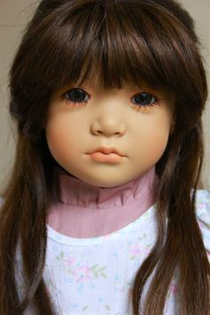 Neblina with dark hair by Annette Himstedt
