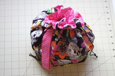 Drawstring Project Bag Tutorial by an awesome crafty lady