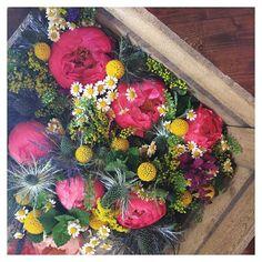 [C&R] L'un des petits bonheurs d'hier, découvrir les compo florales by @ladybrindille. S'émerveiller devant tant de poésie...je ne résiste pas à…
