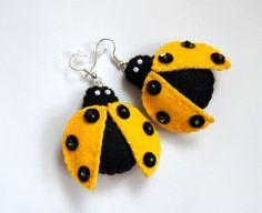 Żółte biedroneczki - kolczyki z filcu (proj. TinyArt)