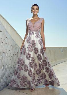 Mob Dresses, Formal Dresses, Wedding Dresses, Pink Fashion, Fashion Dresses, Womens Fashion, Elegant Dresses, Beautiful Dresses, Groom Dress