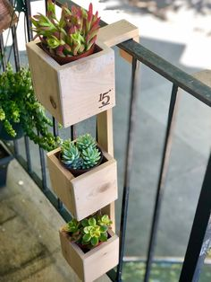 Tiered Balcony Planter Box This handmade THREE-TIER planter is the ideal solution for those that wan Balcony Planters, Small Balcony Garden, Small Patio, Garden Planters, Outdoor Balcony, Balcony Herb Gardens, Diy Wood Planters, Diy Planters Outdoor, Small Balcony Design