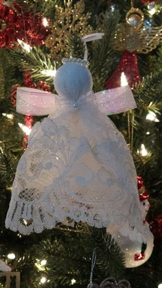"Pinner: ""Handmade angel out of Mom's wedding dress. Diy Christmas Ornaments, How To Make Ornaments, Angel Ornaments, Christmas Angels, Old Wedding Dresses, Wedding Dress Crafts, Luxury Wedding Dress, Recycled Wedding, Handmade Angels"