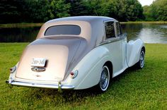 Our 1954 Bentley is nothing but class! ;) http://www.lastingimpressions1.com/ 1.800.583.2233 #LimousineTravel #Limo #Leisure #Travel #Maryland #Pennsylvania #WashingtonDC