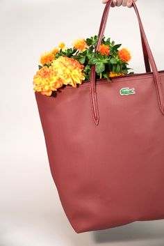 Because it's #Saturday, switch the work supplies for flowers in our #L1212 tote today.
